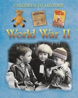 World War II by Fiona Macdonald