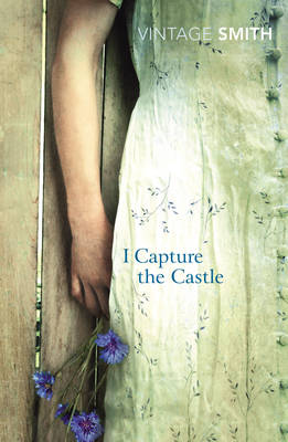 I Capture the Castle by Dodie Smith, Valerie Grove