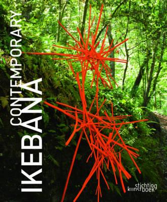 Contemporary Ikebana by Mit Ingelaere