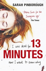 Cover for 13 Minutes by Sarah Pinborough